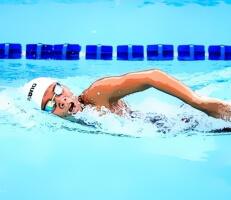 لعبة السباحة